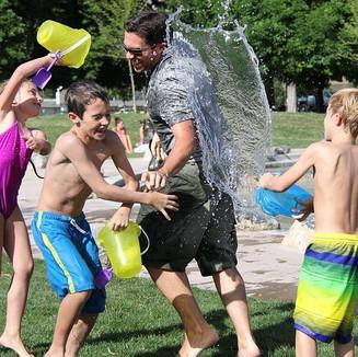 Copie de water-fight-442257__480.jpg