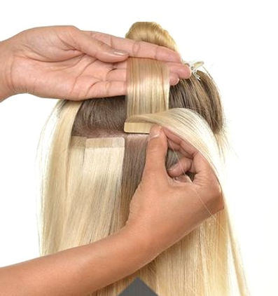 Anwendung_Tape_In_Extensions_2_grande_ed