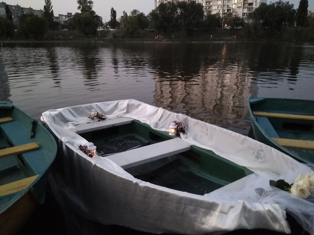Альтечо, Романтический ужин на плоту посреди озера 2