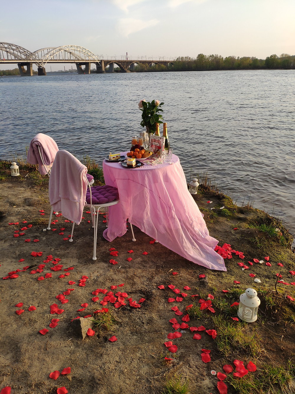 Романтический ужин на Пляже с красивым видом, Киев, Альтечо