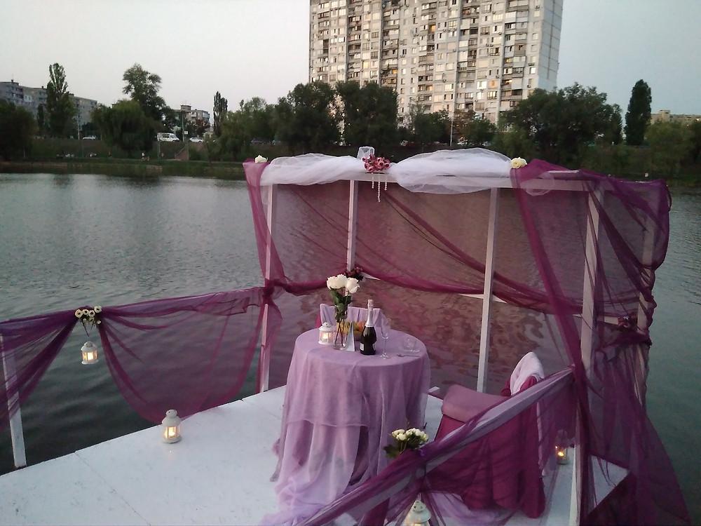 Альтечо, Романтический ужин на плоту посреди озера 6