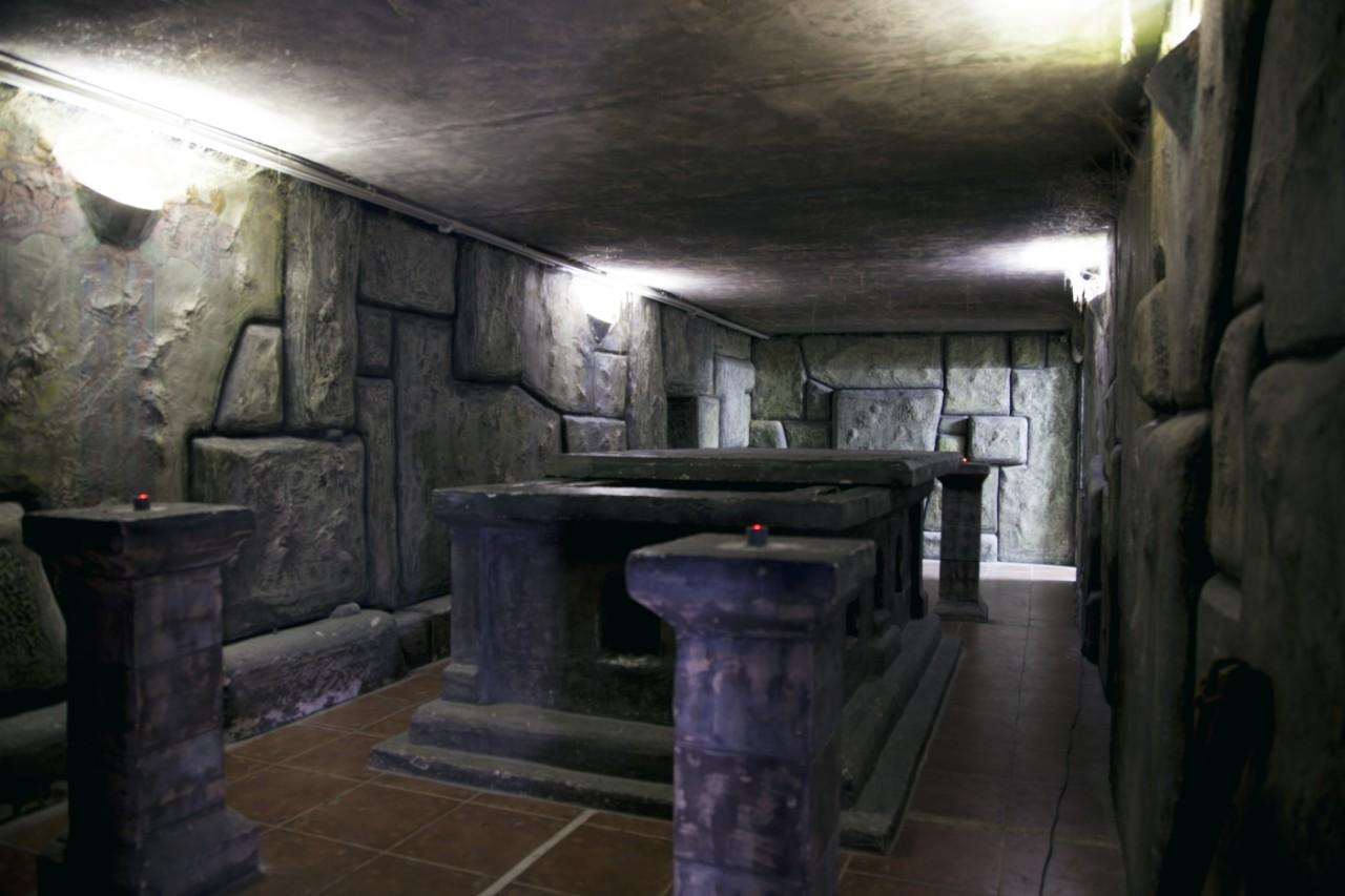Романтический ужин в подземелье (4)