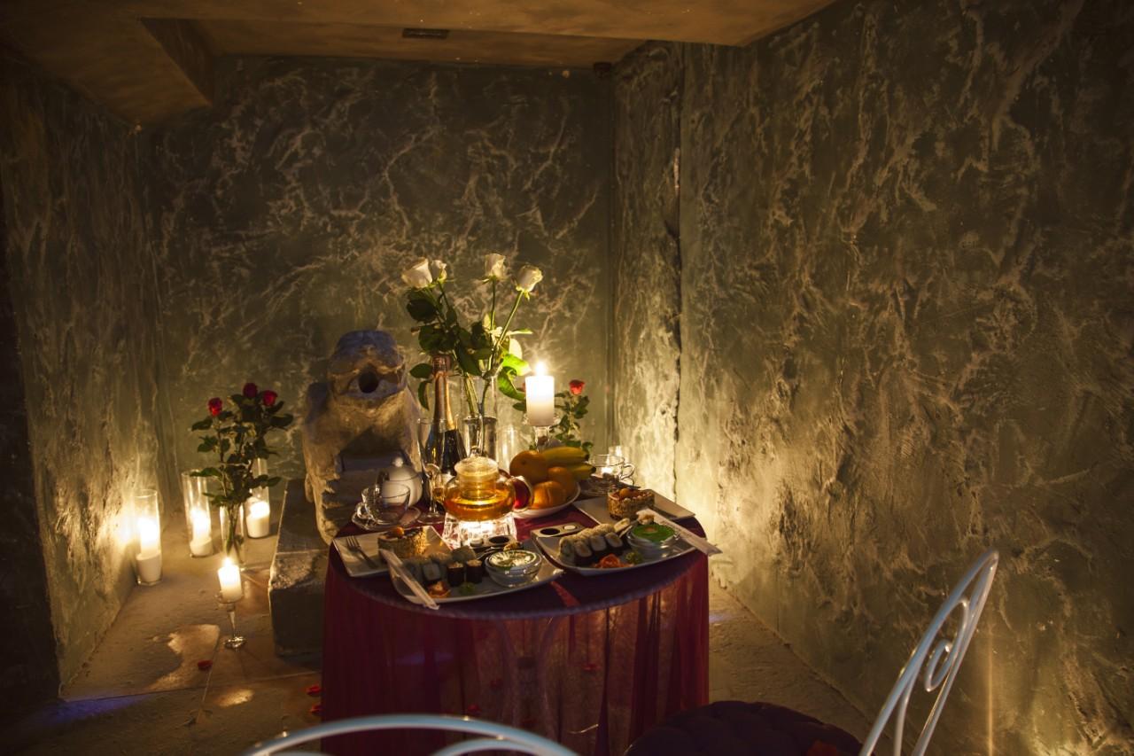 Романтический ужин в подземелье (6)