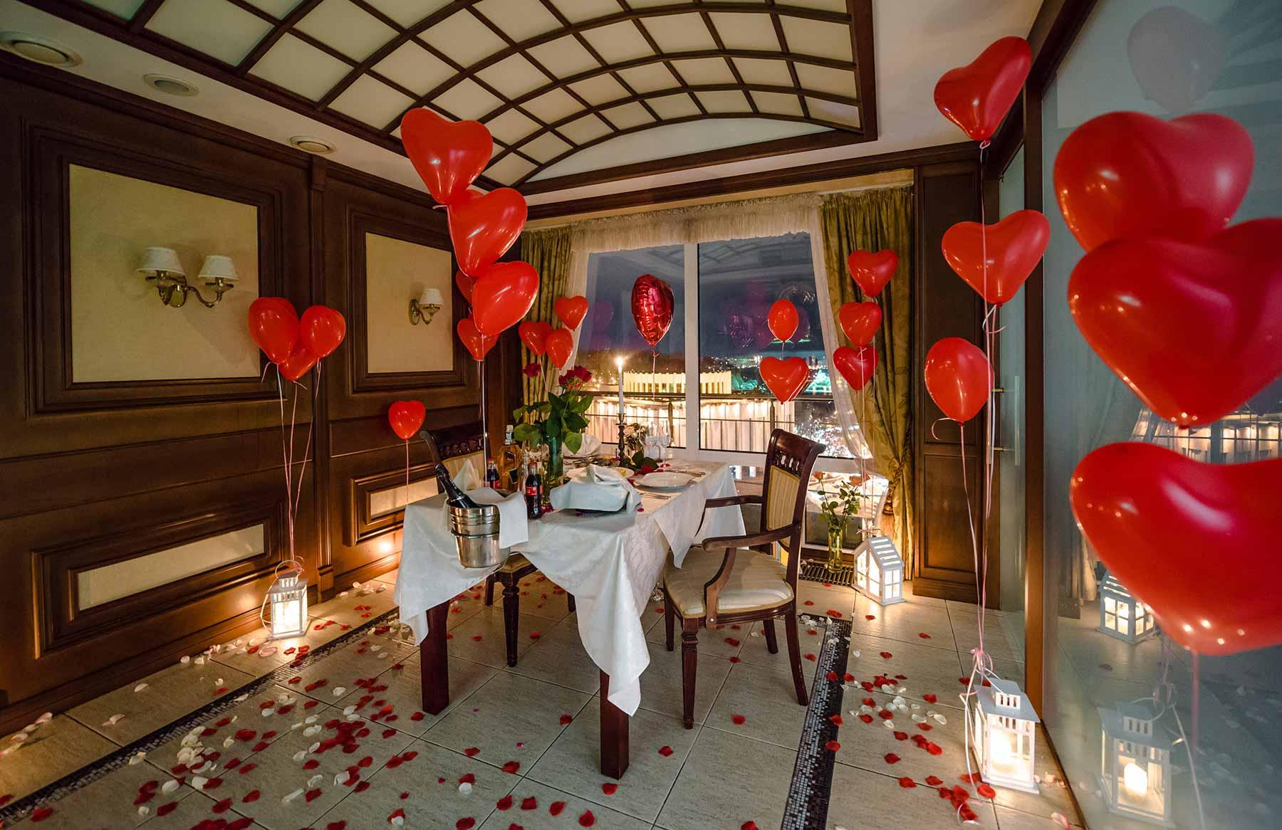 Романтический-ужин-от-Альтечо-в-ресторан