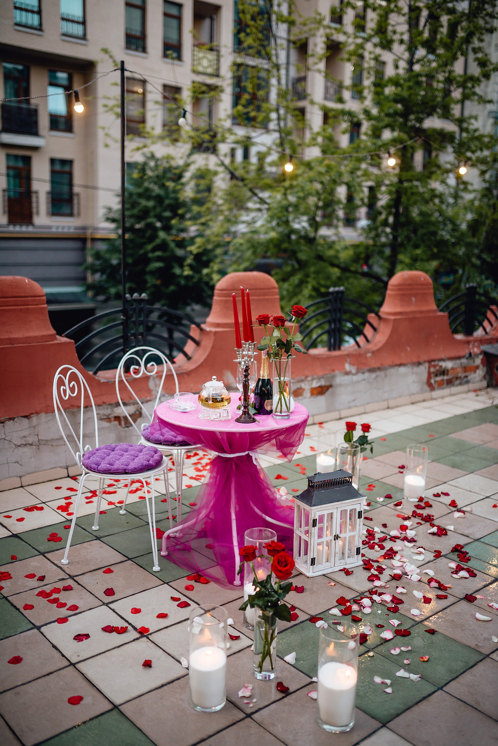 Романтический ужин на террасе малого драматического театра от Альтечо, Киев