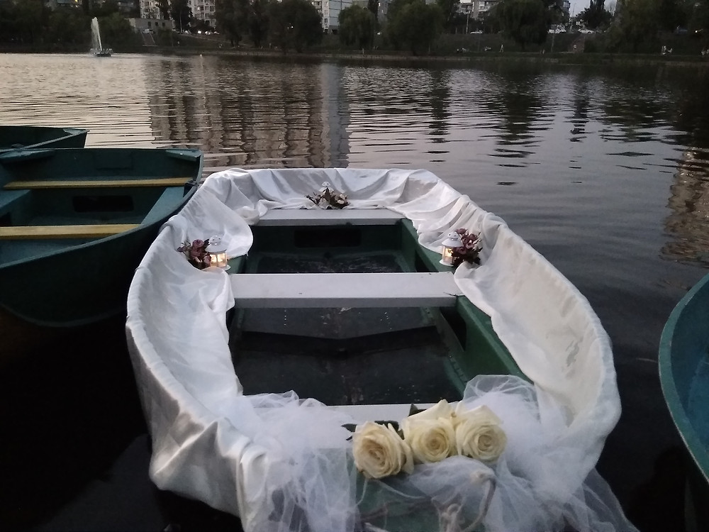 Альтечо, Романтический ужин на плоту посреди озера 3