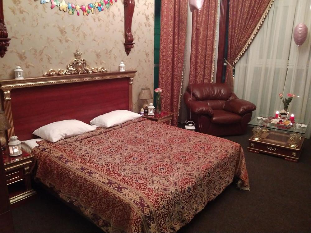Романтика в гостиничном номере, Киев, Альтечо