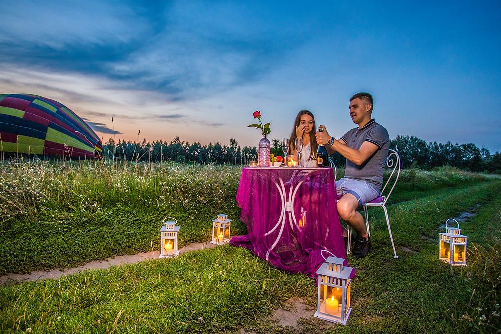 Романтический ужин на фоне воздушного шара, Киев, Сервис романтики Альтечо