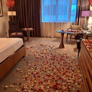 Романтика в номере гостиницы от Альтечо