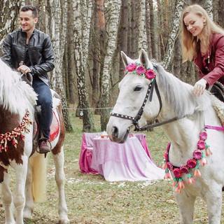 Фотосессия в лесу на лошадях.jpg