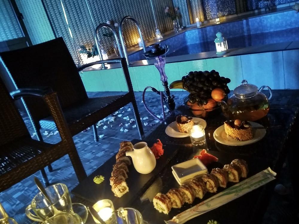 Романтический ужин возле бассейна, Альтечо, Киев