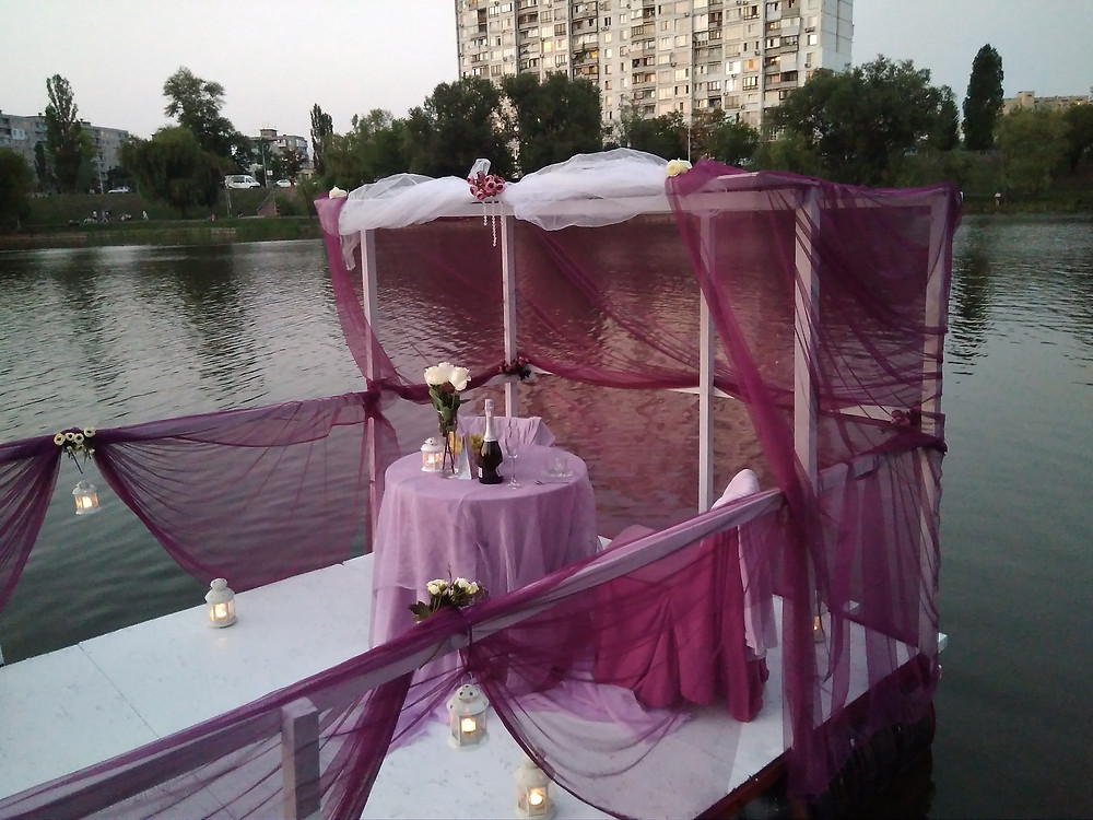 Альтечо, Романтический ужин на плоту посреди озера 18