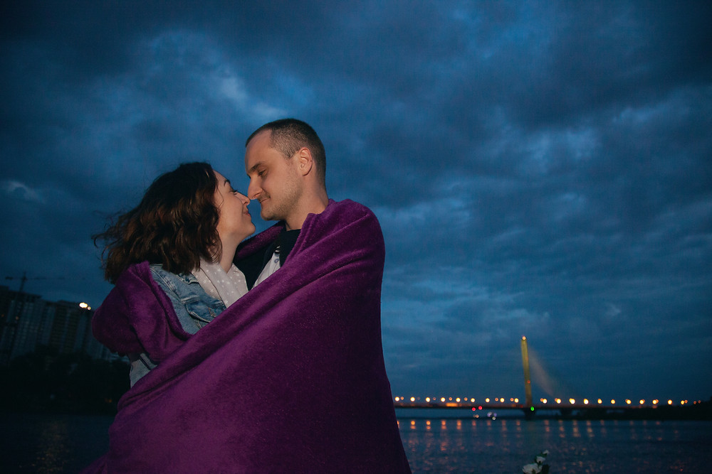 Романтический ужин на плоту от сервиса романтики Альтечо в Киеве