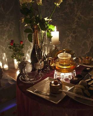 Романтический ужин в подземелье в Киеве