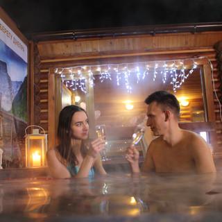 Романтический ужин в горячем чане Афроди