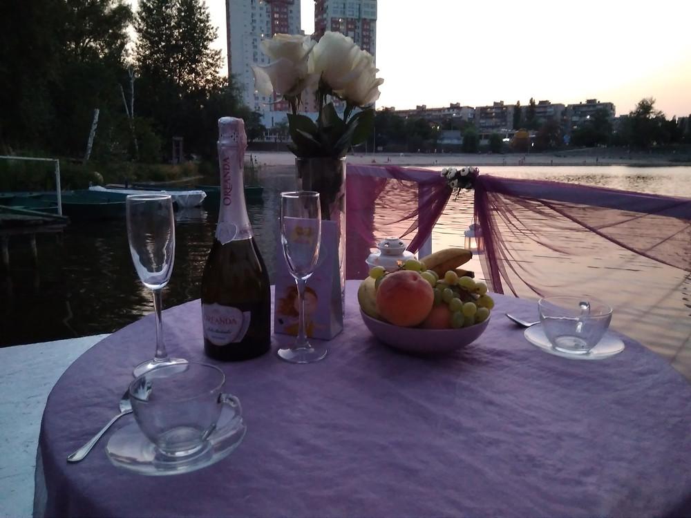 Альтечо, Романтический ужин на плоту посреди озера 5