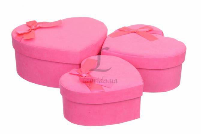 Набор подарочных коробочек в форме сердц