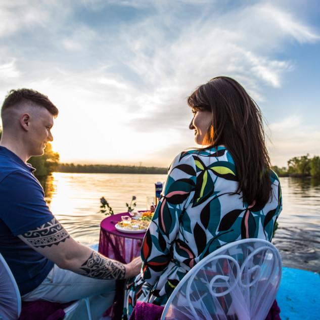Романтический ужин на плоту, Киев, Альте