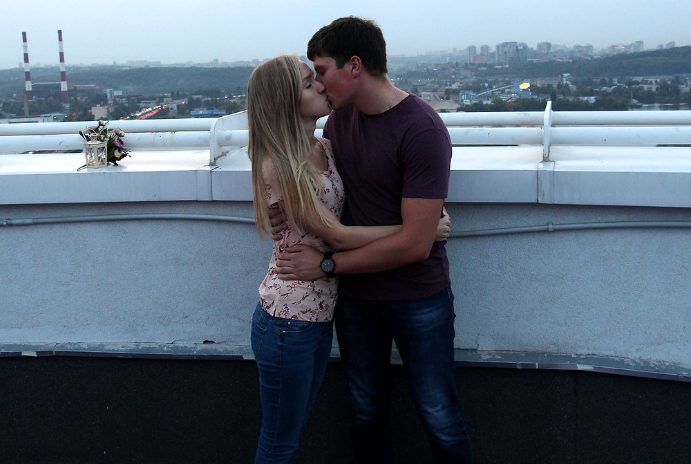 Поцелуй на крыше
