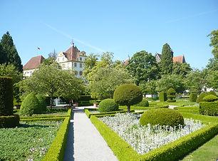 Schloss_Salem_Garten_SW.jpg
