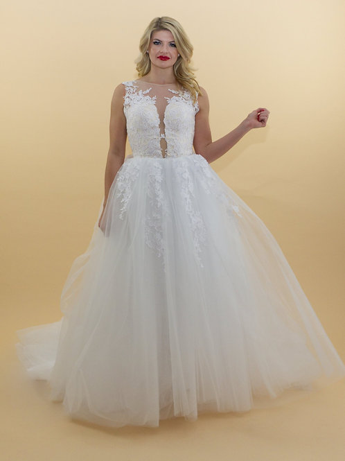 Ballgown With Lace Applique