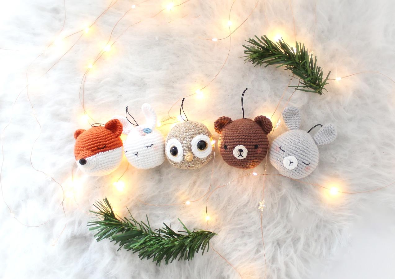 Décoration de Noël, les boules de Noël au crochet par Ligne rétro