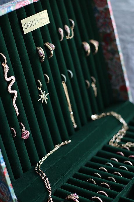 smykkeskrinåpentdetalj.jpg