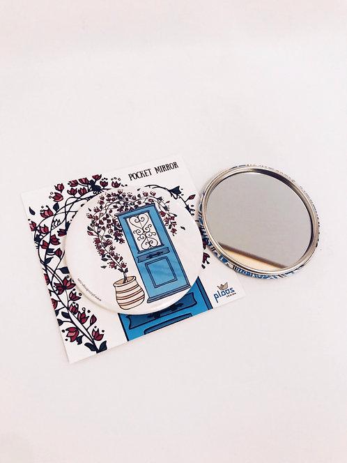 Pocket Mirror Door