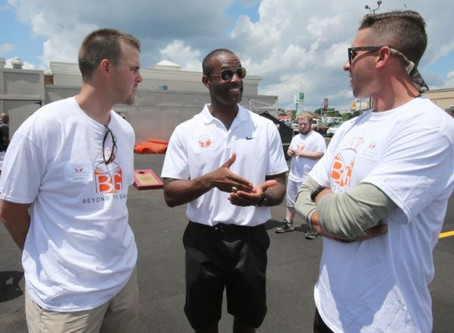 Past Buckeye greats support charity fundraiser for young athletes