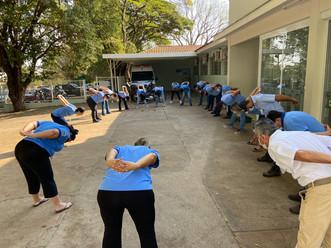 A volta dos exercícios laborais nas manhãs do Hospital Mahatma Gandhi