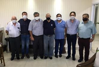 Hospital Mahatma Gandhi recebe visita do renomado advogado Nilton Cândido