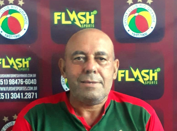 Ernesto Costa - Massagista-Roupeiro.jpeg