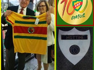 Ídolo tricolor Veterano, Mottini é homenageado na 'Calçada da Fama do Futebol Gaúcho'