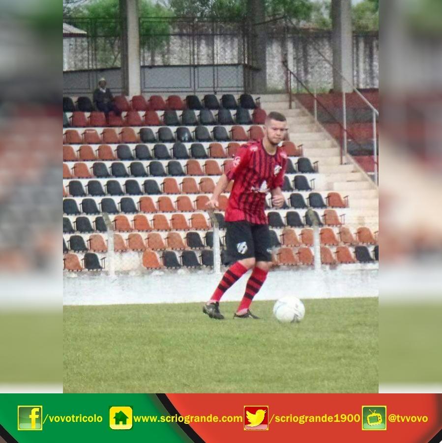Tiago Alves - Lateral direito