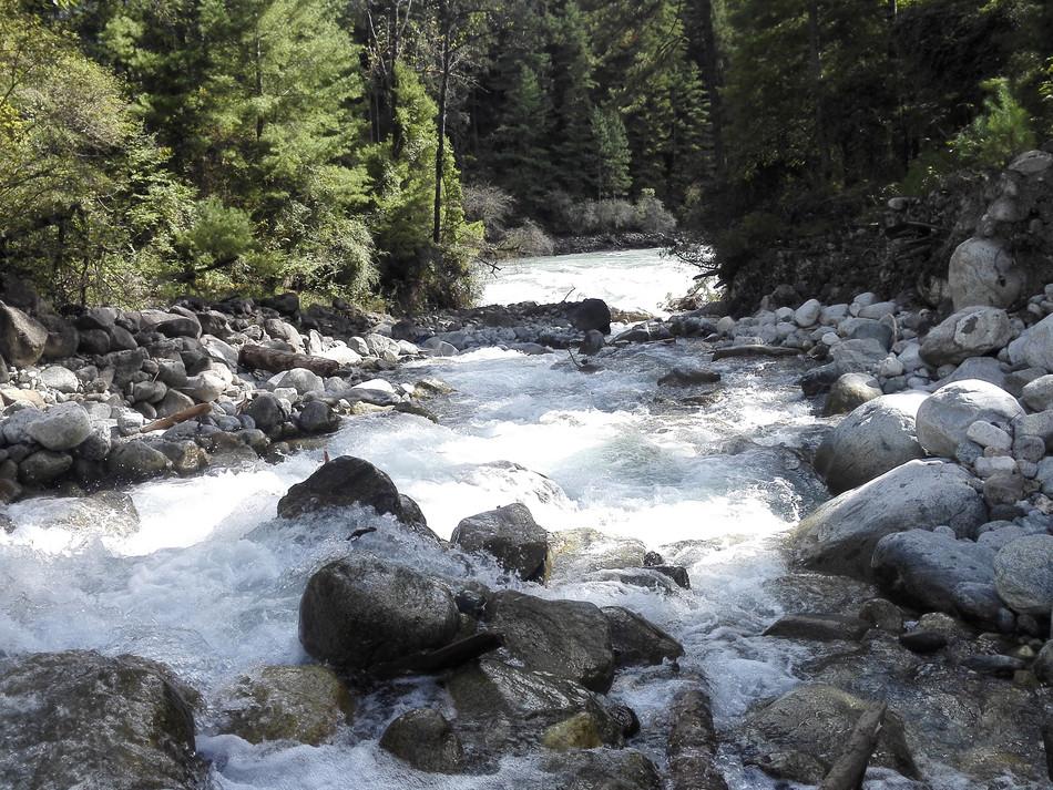 Tibetan stream Oct. 2015  Zhengfei (3).j