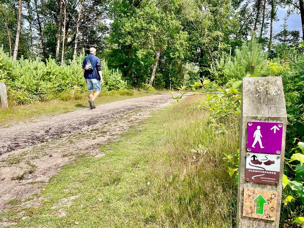 wandelen-leesten-paarse-paaltjesroute