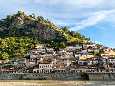 L'Albania tra mare e montagna.