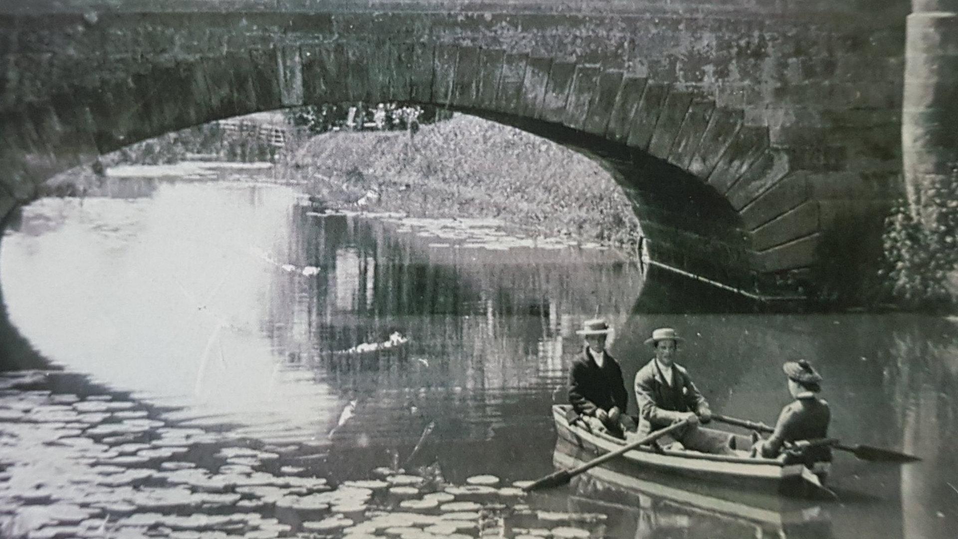 Water Leisure 1900