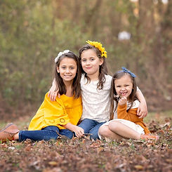 siblings-together-with-autumn-family-portraits.jpg