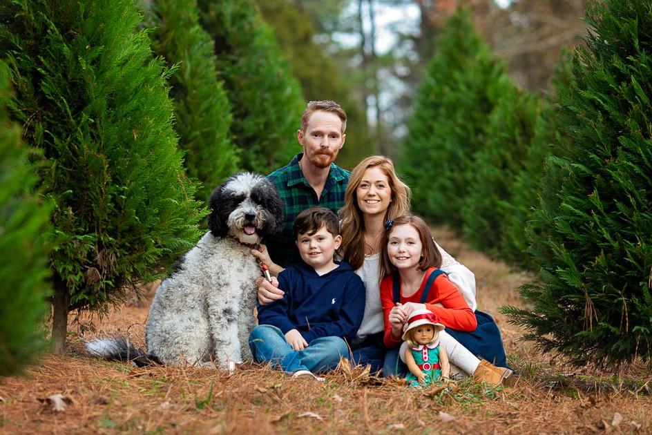christmas-holiday-family-portrait.jpg