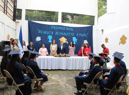 Sede de la Alianza Patriótica recibe a graduandos del Centro Educativo República de Alemania