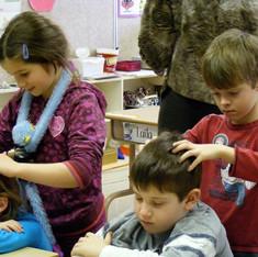 Atelier de massage sur chaise pour enfants