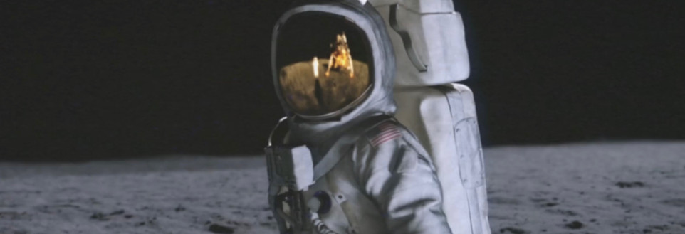 Commercial | Landing on the Moon (2020)