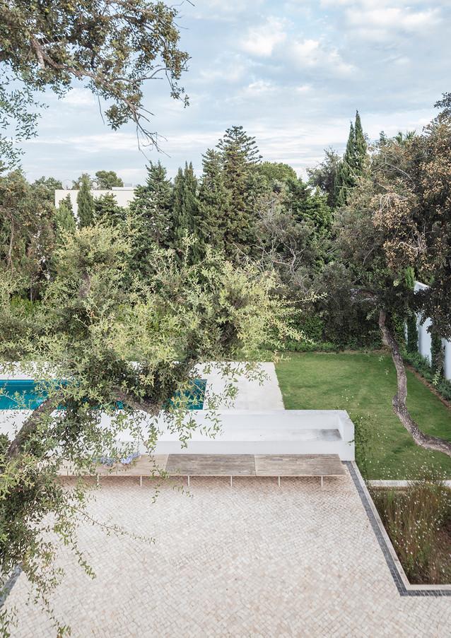 9 house among cork trees sotogrande spai