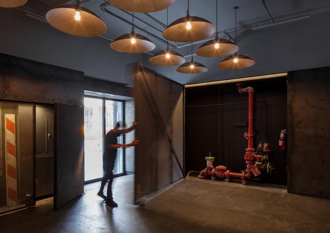 4_The_Kitchen_Lobby_Renovation_by_Matthe