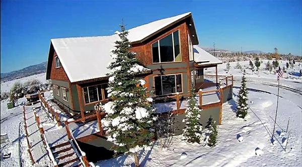 Snowfall at Eagle's Landing RV Resort