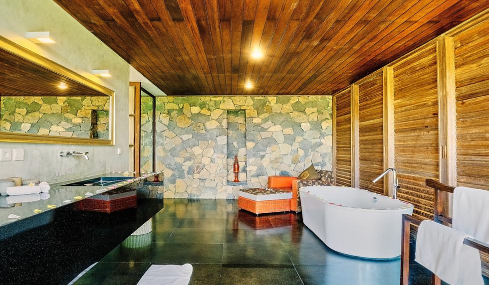 Wahyu-Villa-bathroom-bd1-view-1 .jpg