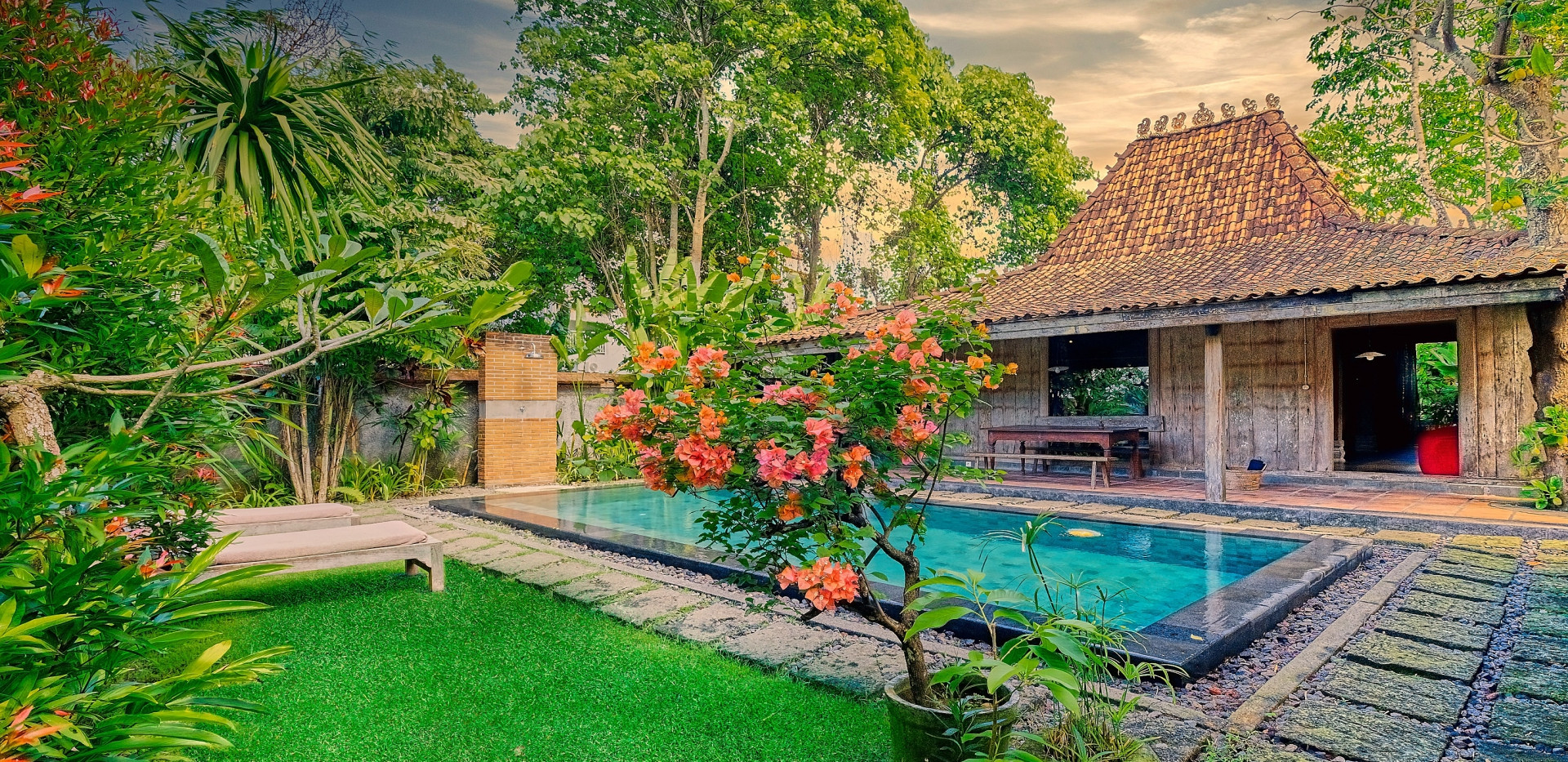 Wahyu-Villa-honeymoon-pool-view-1 .jpg