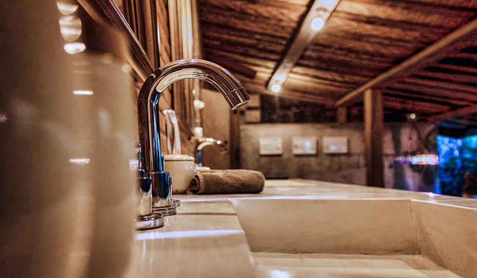 Wahyu-Villa-joglo-suite-bathroom-view-1