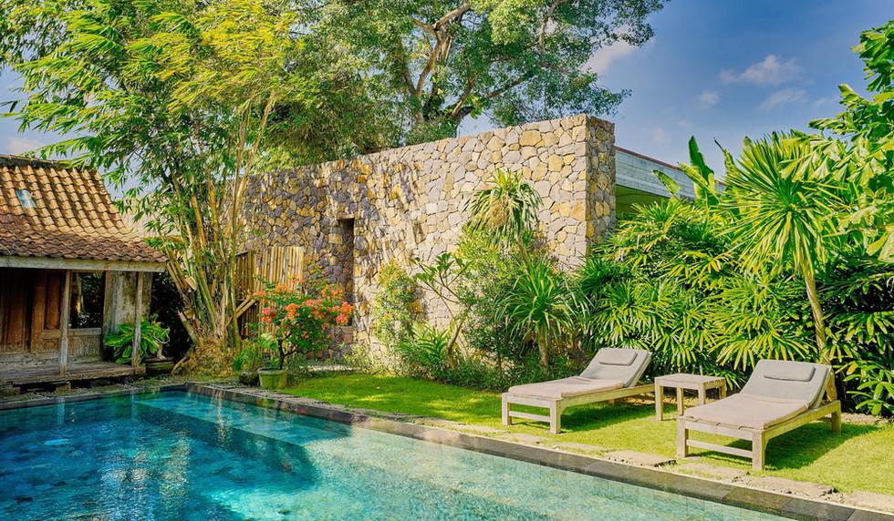 Wahyu-Villa-honeymoon-pool-view-7 .jpg